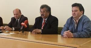 Pressekonferenz in Kemeten 2006 (v. li. n. re.: Johann Nussgraber, Rudolf Sarközi, Emmerich Gärtner-Horvath) (Foto: kv-roma.at)
