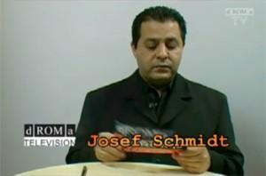 dROMa-TV: Moderator Josef Schmidt