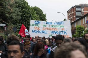 Bologna: Kundgebung von Roma und Sinti gegen Antiziganismus in Italien (Foto: Vice)