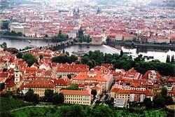 Roma verlassen Prag (Foto: Petritap/Wikimedia)