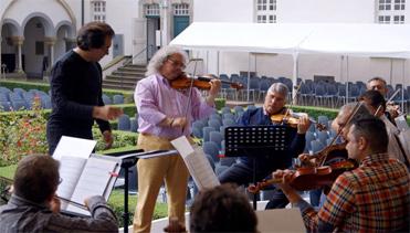 Riccardo Sahiti und sein Orchester (Foto: Programmankündigung rbb)