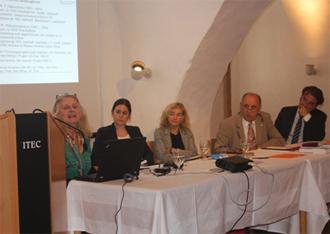 Roma-Tondokumente im Phonogrammarchiv: Vortrag von Christiane Fennesz-Juhasz in Schlaining 2015 (Foto: Roma-Service)