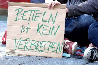 Betteln, ein Menschenrecht (Foto: G. Kraftschik / CC-BY)