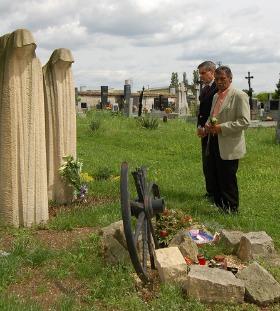 Gemeinsamer Gedenkakt in Tschechien: Čeněk Růžička mit Romani Rose (Foto: VPORH)