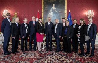 Empfang der Volksgruppen-Vertreter in der Präsidentschaftskanzlei: Emmerich Gärtner-Horvath und Andreas Sarközi