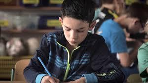 Neu in der Hamburger Schule: Djaner aus Mazedonien (Foto: ARD)