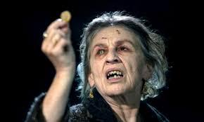 """Die """"Zigeunerhexe"""" Ganush, antiziganistischer Tiefpunkt im Kino der letzten Jahre: der US-Horrorfilm """"Drag me to hell"""" von Sam Raimi (Filmstill, Ghost House Pictures/ Universal Pic.)"""