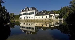 Verwaltungsakademie des Bundes in Schloss Laudon (Foto: CC Haeferl/Wikipedia)